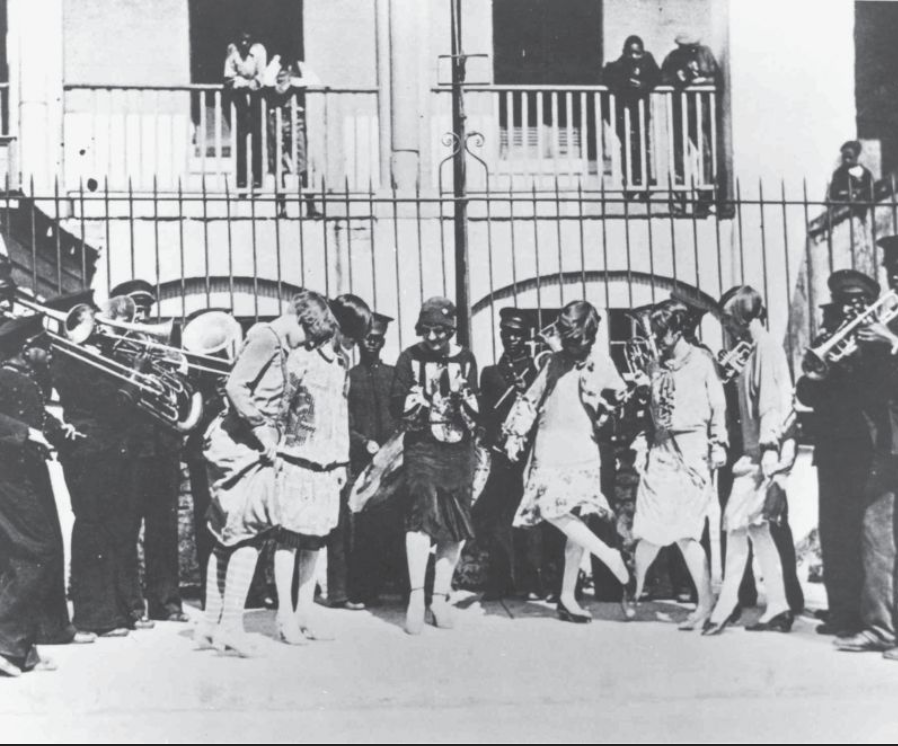 the history of charleston step, how white ladies imitaded the charleston from the boys in Jenkins Band