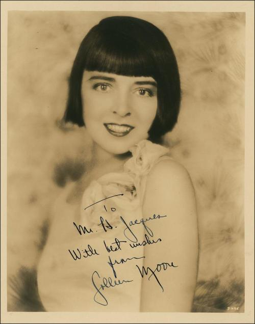 Colleen Moore, one of the 3 most famous flappers, helped popularize the flappers bobbed haircut.